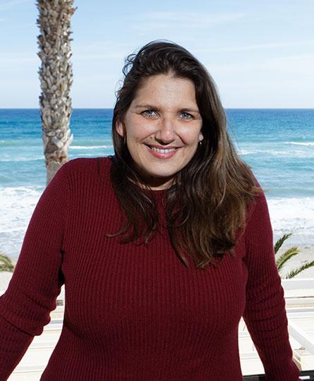 Ana Flores - Director